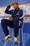 <p>O capitão da seleção francesa, Thierry Henry, disse em nota divulgada na sexta-feira que considera justa a reivindicação da Irlanda para que seja repetida a partida que assegurou a classificação da França para a Copa do Mundo de 2010. REUTERS/Charles Platiau (FRANCE SPORT SOCCER)</p>
