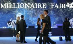 "<p>Visitatori alla ""Millionaire Fair"" di Mosca. REUTERS/Alexander Natruskin (RUSSIA)</p>"