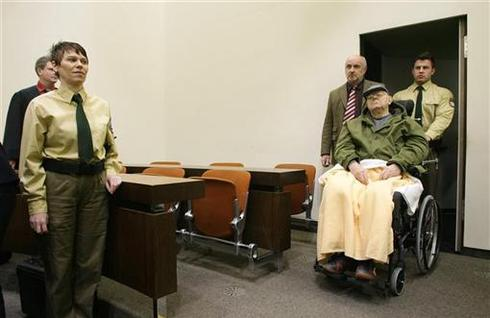 Accused Nazi guard on trial