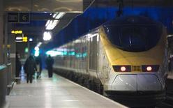 <p>Un Eurostar alla stazione St. Pancras di Londra. REUTERS/Andrew Winning (BRITAIN - Tags: ENVIRONMENT TRAVEL SOCIETY)</p>