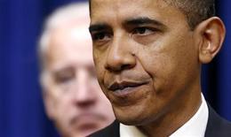 <p>Президент США Барак Обама выступает в Белом доме в Вашингтоне 20 января 2010 года. Белый дом в среду призвал Конгресс разрешить администрации превысить дозволенный размер госдолга в $12,4 триллиона с тем, чтобы оно могло продолжить заимствовать средства. REUTERS/Kevin Lamarque</p>