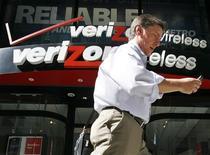 <p>Verizon Communications, propriétaire de Verizon Wireless, a affiché une croissance du nombre d'abonnés au mobile qui a dépassé les anticipations de Wall Street au quatrième trimestre. /Photo d'archviesREUTERS/Brendan McDermid</p>