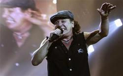 <p>AC/DC lead vocalist Brian Johnson performs at the O2 Millennium Dome stadium in London April 14, 2009. REUTERS/Luke MacGregor</p>