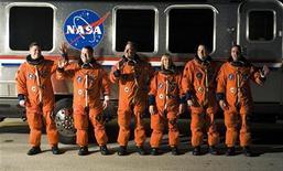 <p>8 febbraio 2010. Equipaggio dello space shuttle Endeavour. REUTERS/Steve Nesius</p>
