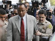 <p>Doctor Conrad Murray, the late Michael Jackson's personal physician, arrives at the Los Angeles Superior Court Airport Branch Courthouse to face involuntary manslaughter charges in the death of Michael Jackson in Los Angeles, February 8, 2010. REUTERS/Danny Moloshok</p>