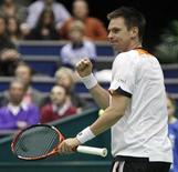 <p>O sueco Robin Soderling, terceiro cabeça-de-chave, derrotou o russo Nikolay Davydenko por 7-6 e 6-4 na semifinal do torneio de Roterdã, neste sábado. REUTERS/Michael Kooren (NETHERLANDS - Tags: SPORT TENNIS)</p>