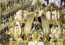 <p>14 febbraio 2010. Sanbodromo di Rio de Janeiro in occasione del Carnevale. REUTERS/Bruno Domingos</p>