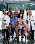 """<p>Imagen publicitaria de la serie de televisión de drama médico """"ER"""" . Los equipos médicos de series televisivas como """"ER"""" o """"House"""" suelen correr para actuar rápidamente ante una convulsión, pero casi la mitad de las veces los actores que representan a doctores y enfermeras se equivocan, de acuerdo a un estudio canadiense.</p>"""