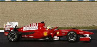 <p>O brasileiro Felipe Massa participa de teste com a Ferrari em Jerez. 17/02/2010 REUTERS/Marcelo del Pozo</p>