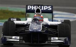 <p>Rubens Barrichello, da Williams, fez o melhor tempo dos testes de quinta-feira no circuito de Jerez. 18/02/2010 REUTERS/Marcelo del Pozo</p>