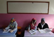<p>Turkish girls attend a class at the Kazim Karabekir Girls' Imam-Hatip School in Istanbul February 10, 2010. REUTERS/Murad Sezer</p>