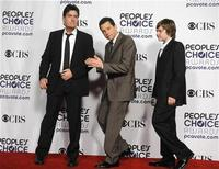 """<p>Actors Charlie Sheen (L), Jon Cryer (C) and Angus T. Jones celebrate backstage after winning the award for Favorite TV Comedy for """"Two and a Half Men"""" at the 35th annual People's Choice awards in Los Angeles January 7, 2009. REUTERS/Phil McCarten</p>"""