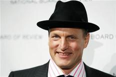 "<p>Actor Woody Harrelson arrives to accept the award for Best Supporting Actor for his work in the film ""The Messenger"" at the National Board of Review Award ceremony in New York January 12, 2010. REUTERS/Lucas Jackson</p>"