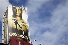 <p>A billboard for the 82nd Academy Awards is seen above the red carpet arrival area in Hollywood March 2, 2010. REUTERS/Danny Moloshok</p>