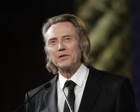 U.S. actor Christopher Walken speaks before receiving a tribute for his career at the Marrakesh 9th International Film Festival December 5, 2009. REUTERS/Jean Blondin