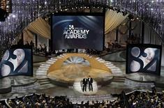 <p>Actors Steve Martin (L) and Alec Baldwin host the 82nd Academy Awards in Hollywood March 7, 2010. REUTERS/Gary Hershorn</p>