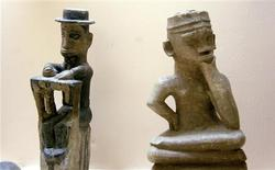 <p>Congolese artefacts are seen on display at Kinshasa's national museum March 10, 2010. REUTERS/Katrina Manson</p>