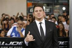 """<p>Cast member Channing Tatum poses at the premiere of the movie """"G.I. Joe: The Rise of Cobra"""" at the Grauman's Chinese theatre in Hollywood, California August 6, 2009. REUTERS/Mario Anzuoni</p>"""