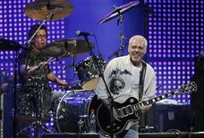 <p>English singer and composer Peter Frampton performs at the 49th International Song Festival in Vina Del Mar city, about 75 miles (120 km) northwest of Santiago in this February 22, 2008 file photo. REUTERS/Eliseo Fernandez</p>