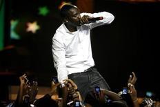 <p>Senegalese-American Akon performs at the 2009 MTV Africa Music Awards (MAMA) at the Moi International Sports Centre-Kasarani in Kenya's capital Nairobi, October 10, 2009. REUTERS/Noor Khamis</p>