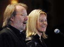 <p>15 marzo 2010, New York. Benny Andersson e Anni-Frid Lyngstad in occasione della cerimonia per il Rock and Roll Hall of Fame. REUTERS/Shannon Stapleton</p>