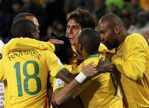 <p>Seleção brasileira é vista como favorita por jornalistas de todo o mundo para levar a Copa do Mundo. 25/06/2009. REUTERS/Jerry Lampen</p>