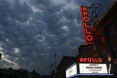 <p>A marquee displays a memorial message during the Michael Jackson public memorial at the Apollo Theater in New York, June 30, 2009. REUTERS/Lucas Jackson</p>