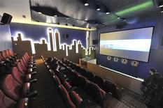 <p>La numérisation du cinéma européen apparaît inéluctable mais risque de provoquer la disparition d'un tiers des 30.000 salles européennes, selon un rapport de l'Observatoire européen de l'audiovisuel présenté dimanche, en marge du Festival de Cannes. /Photo d'archives/REUTERS</p>