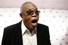 <p>Soul and R&B singer Sam Moore arrives for the 2009 MusiCares Person of the Year gala in honor of Neil Diamond in Los Angeles, February 6, 2009. REUTERS/Danny Moloshok</p>