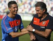 <p>O técnico da seleção portuguesa, Carlos Queiroz, conta com o craque Cristiano Ronaldo em sua equipe. 21/05/2010 REUTERS/Rafael Marchante</p>