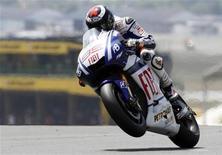 <p>Il pilota spagnolo della Yamaha Jorge Lorenzo. REUTERS/Olivier Pon (FRANCE - Tags: SPORT MOTOR RACING)</p>