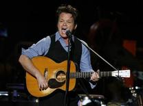 <p>Musician John Mellencamp performs during a concert celebrating the 90th birthday of musician Pete Seeger in New York May 3, 2009. REUTERS/Lucas Jackson</p>