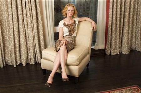 Actress Cynthia Nixon poses for a portrait during a media day to promote the film ''Sex and the City 2'' in New York May 17, 2010. REUTERS/Lucas Jackson
