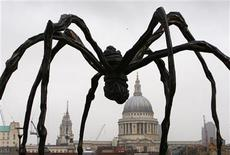 <p>A sculpture of a spider by Louise Bourgeois outside the Tate Modern in central London, October 3, 2007. REUTERS/Kieran Doherty</p>