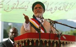 <p>Comoran President Ahmed Abdallah Mohamed Sambi delivers his address during prayers, July 6, 2009. REUTERS/Thomas Mukoya</p>