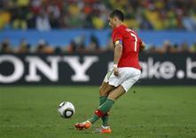 <p>Atacante português Cristiano Ronaldo foi eleito o melhor da partida contra o Brasil no empate em 0 x 0 das equipes. REUTERS/Kai Pfaffenbach</p>