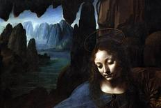 """<p>A virgem Maria na obra """"Virgem nas Rochas"""" de Leonardo da Vinci (1491-1508), na Galeria Ncional de Londres. Um projeto de 18 meses de duração para restaurar a obra revelou que o artista renascentista provavelmente pintou a tela inteira ele próprio. 14/07/2010 REUTERS/Suzanne Plunkett</p>"""