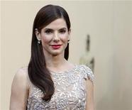 <p>Bullock a su llegada a la alfombra roja de los premios Oscar en Hollywood, mar 7 2010. Un juez de California amplió a tres años una orden de alejamiento para un hombre a quien se acusa de acosar a la actriz ganadora de un Oscar Sandra Bullock. REUTERS/Mario Anzuoni</p>