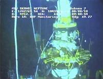 <p>Защитный клапан, разработанный для ликвидации утечки нефти в Мексиканском заливе, 4 августа 2010 года. Последний этап ликвидации утечки нефти в Мексиканском заливе откладывается на конец августа из-за технических вопросов. REUTERS/BP/Handout</p>