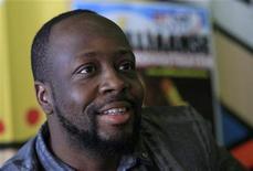 <p>Foto de archivo de la estrella haitiana de hip-hop Wyclef Jean durante una conferencia de prensa en Hoogstraten, Bélgica, ago 13 2010. La estrella haitiana de hip-hop Wyclef Jean no está en la lista de candidatos aprobados que satisfacen los requerimientos legales para presentarse a los comicios presidenciales del 28 de noviembre, dijo el jueves a Reuters un miembro del consejo electoral provisional. REUTERS/Sebastien Pirlet</p>