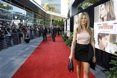 "<p>Cast member Jennifer Aniston poses at the premiere of ""The Switch"" at the Arclight theatre in Hollywood, California August 16, 2010. REUTERS/Mario Anzuoni</p>"