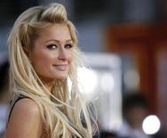 <p>Paris Hilton poses at a premiere in Los Angeles, October 27, 2009. REUTERS/Mario Anzuoni</p>