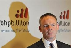 <p>Marius Kloppers, BHP Billiton Chief Executive, poses for photographs in central London August 25, 2010. REUTERS/Toby Melville</p>