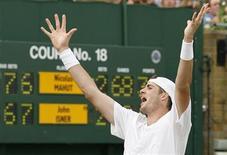 <p>John Isner of the U.S. celebrates defeating France's Nicolas Mahut at the 2010 Wimbledon tennis championships in London, June 24, 2010. REUTERS/Glyn Kirk/Pool</p>
