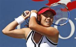 <p>Chan Yung-Jan of Taiwan hits a return during her match against Caroline Wozniacki of Denmark at the U.S. Open tennis tournament in New York, September 4, 2010. REUTERS/Kevin Lamarque</p>