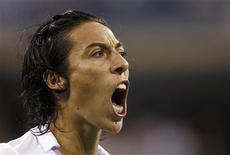 <p>Francesca Schiavone of Italy reacts to a missed shot against Venus Williams of the U.S. during the US Open tennis tournament in New York September 7, 2010. REUTERS/Mike Segar</p>
