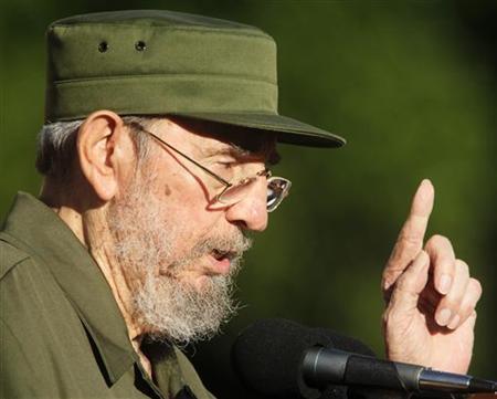 Former Cuban leader Fidel Castro speaks during a meeting with students at Havana's University September 3, 2010. REUTERS/Desmond Boylan