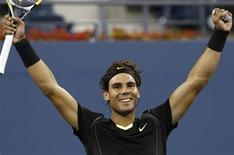 <p>Rafael Nadal of Spain celebrates his victory against compatriot Fernando Verdasco during the U.S. Open tennis tournament in New York, September 9, 2010. REUTERS/Kevin Lamarque</p>