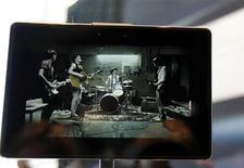 <p>Планшетник PlayBook от Blackberry на конференции Research in Motionв Сан-Франциско 27 сентября 2010 года. Research In Motion представила собственный планшетный компьютер, ориентированный на бизнесменов. REUTERS/Robert Galbraith</p>