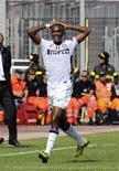 <p>Atacante da Inter de Milão Samuel Eto'o comemora gol marcado na vitória contra o Cagliari. 17/10/2010 REUTERS/Mario Rosas</p>